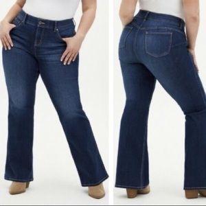 Torrid Bombshell Flare jeans 24R plus